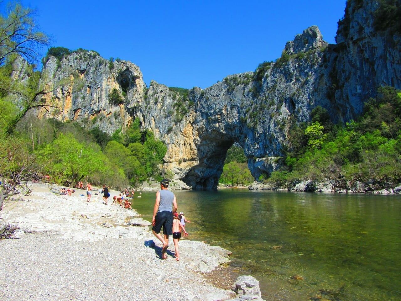 Read more about the article Découvrir les Gorges de l'Ardèche